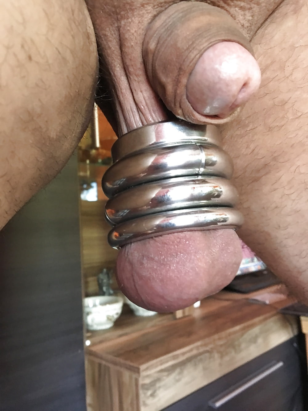 Balls Bouncing In Ball Stretcher