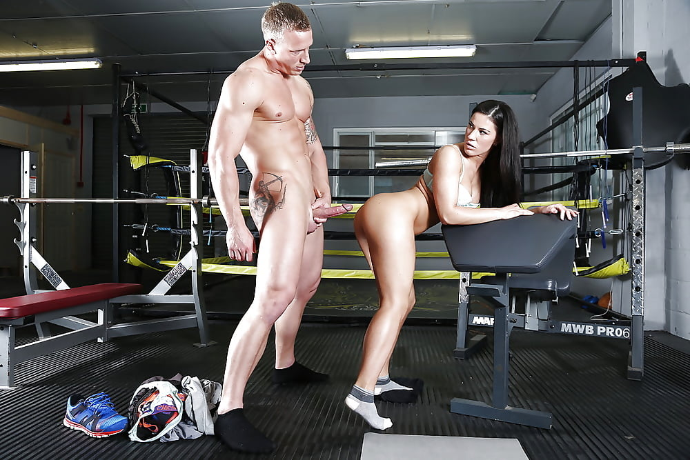 Gym slut fucked — photo 4