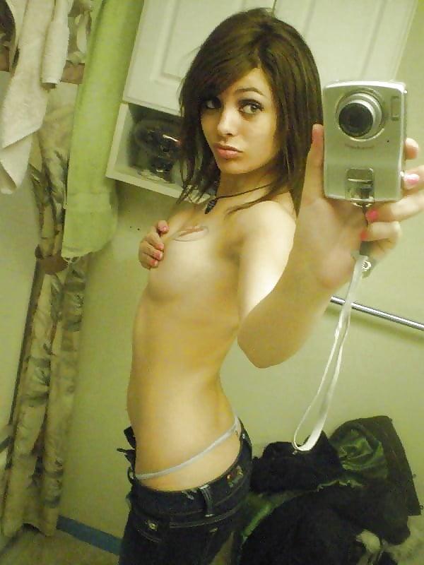teen-cartoon-topless-emo-girl-selfie-analfarting-xxx