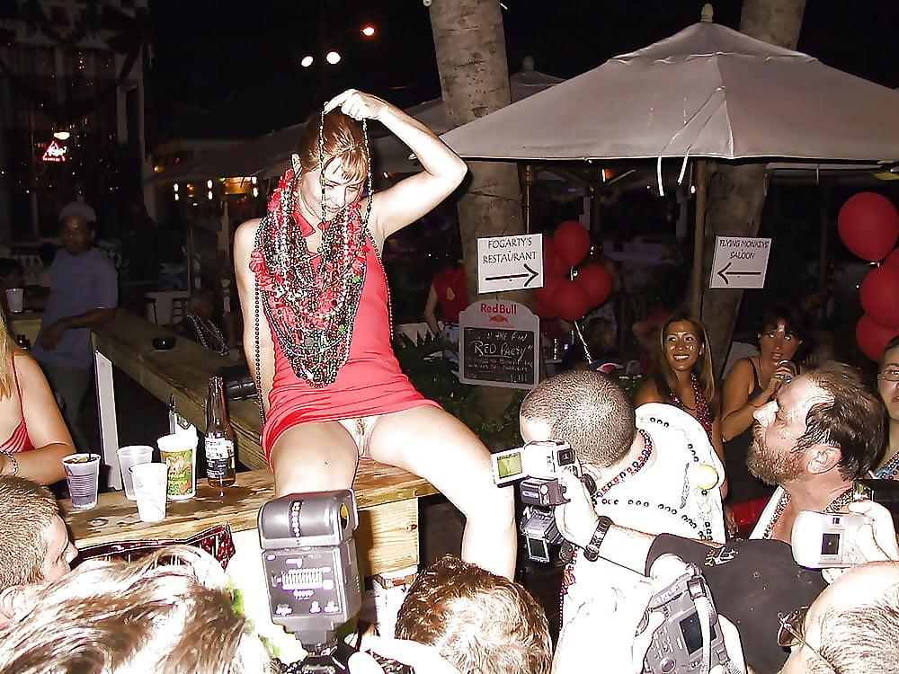 Upskirt restaurant pussy, nude movie stars slips