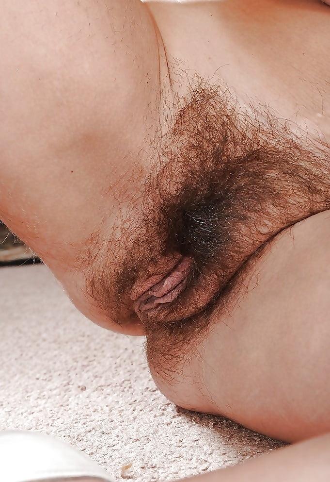 Порно фото лохматая пизда на весь экран