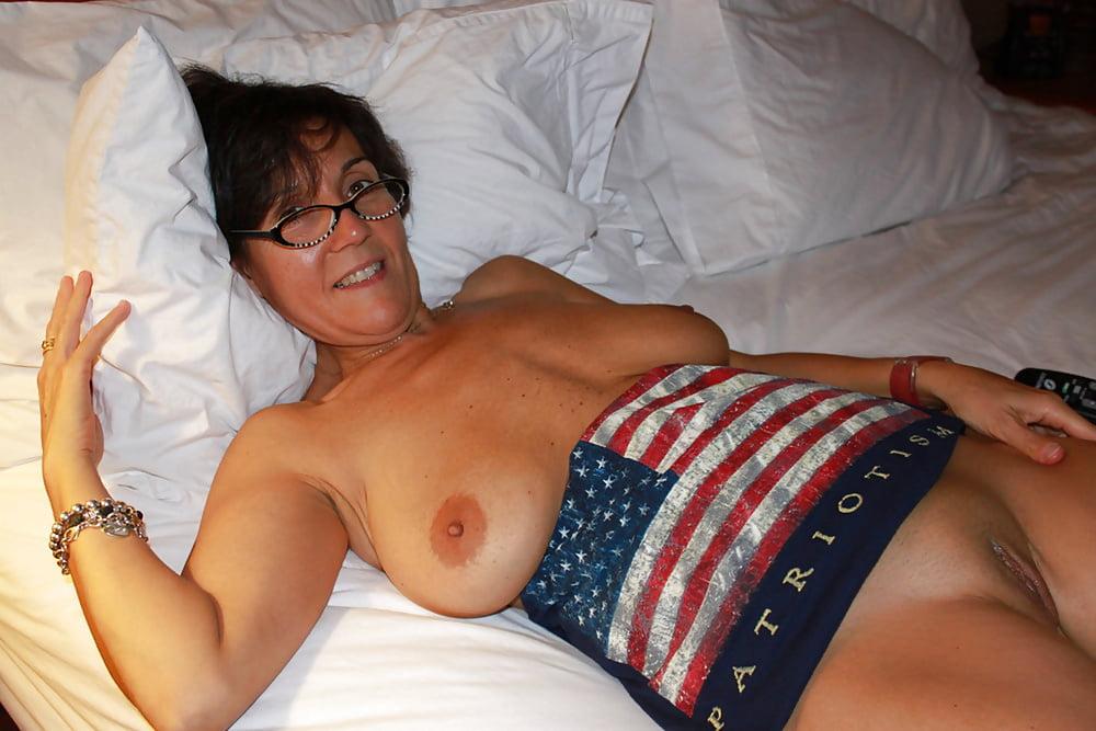 Free house wife pics — photo 9