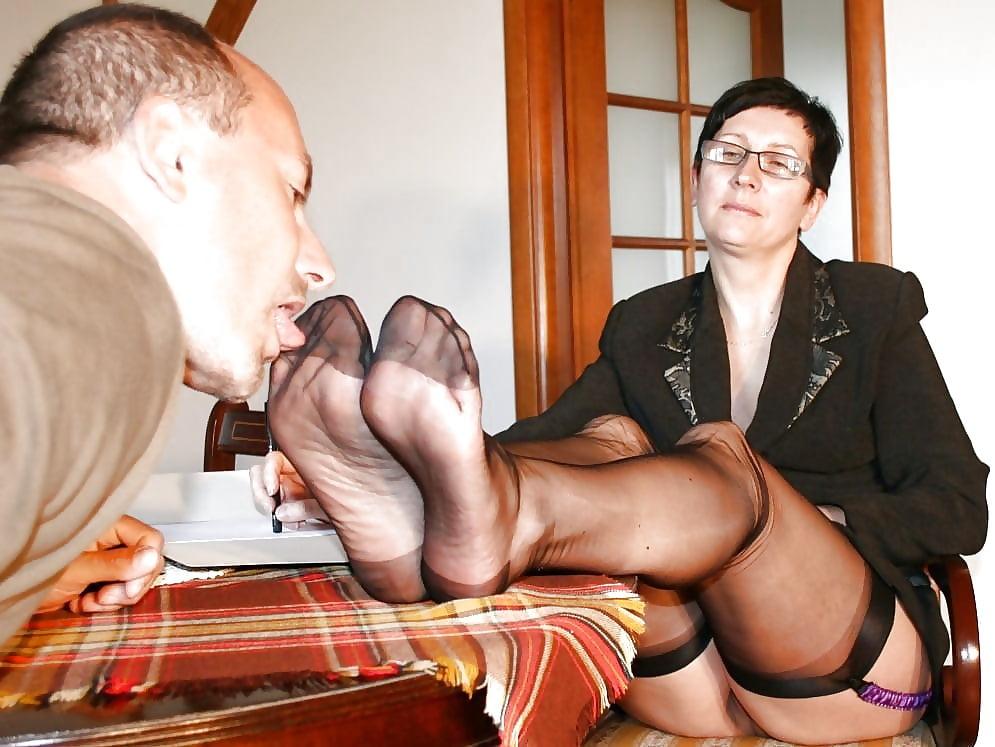 Young Girl Worship Mature Feet