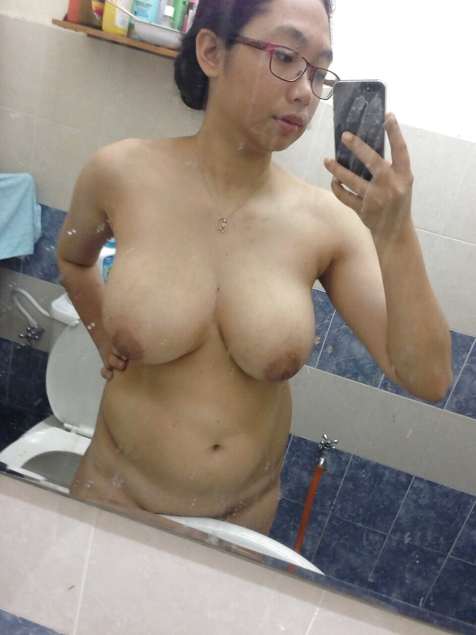 nude-mom-singapore-images-wet-panty-nude