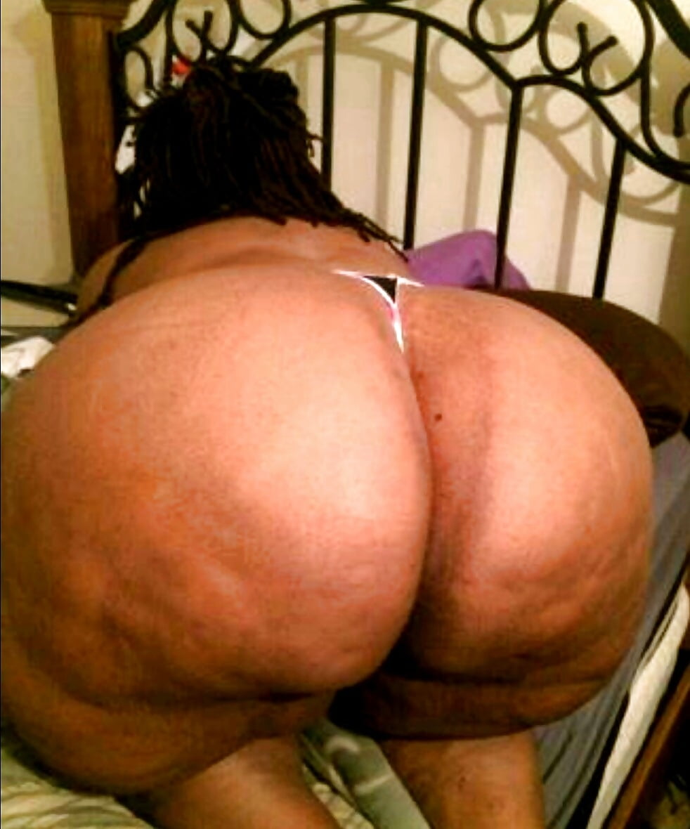 phat-azz-spank-big-titted-girl