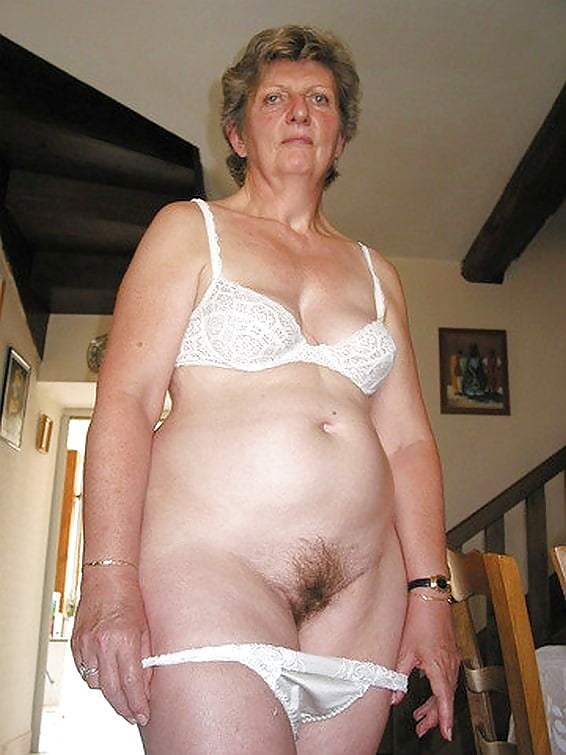 Grandma pussy in panties fiores pussy porn