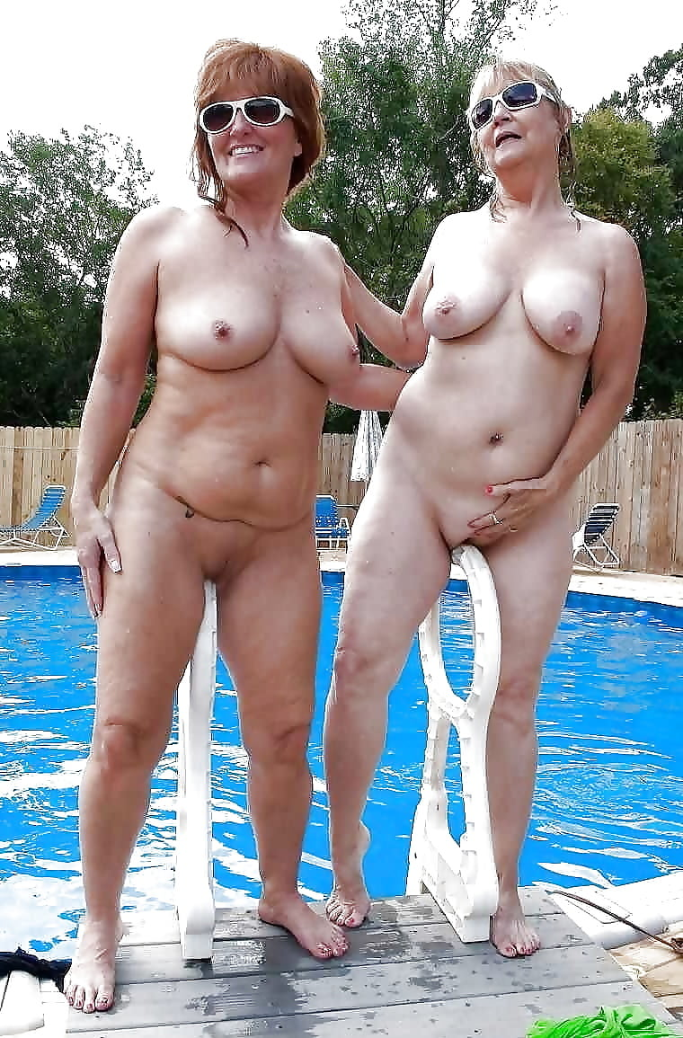 I love naked older women swimming — pic 1