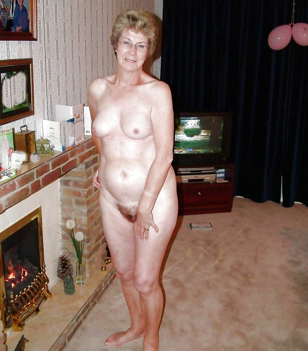 naked-mature-woman-uk