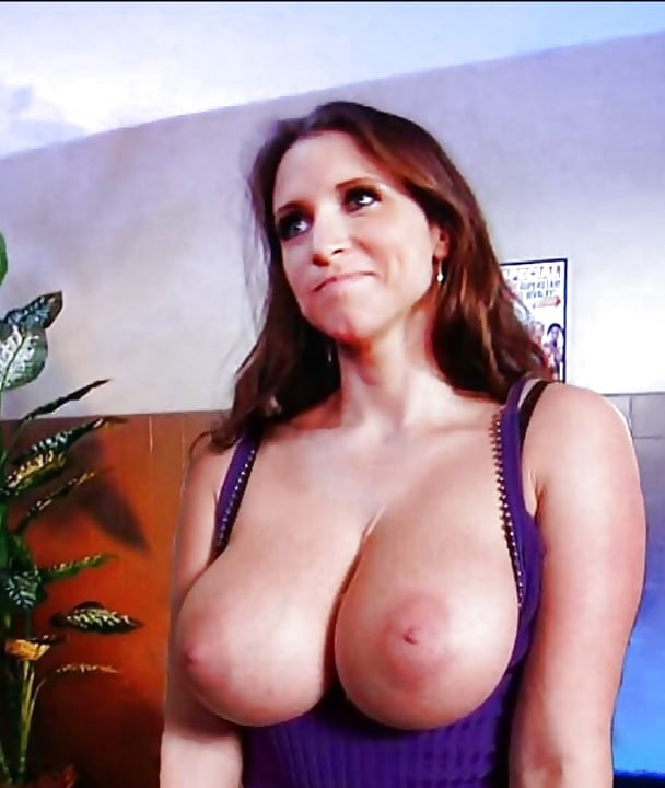 stephanie-mcmahon-titts
