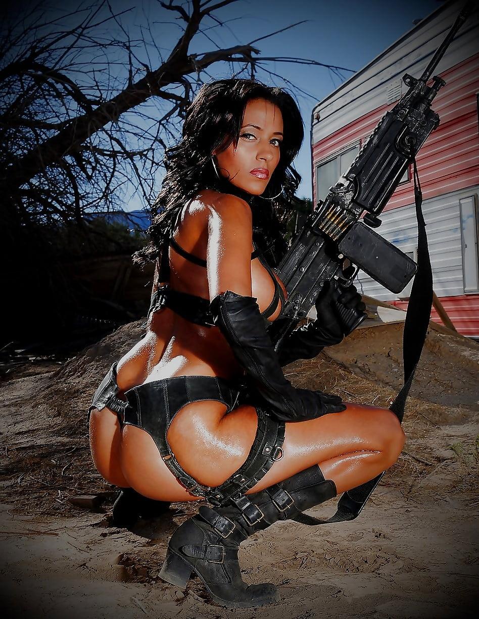 эротика с огнестрельным оружием собраны открытых