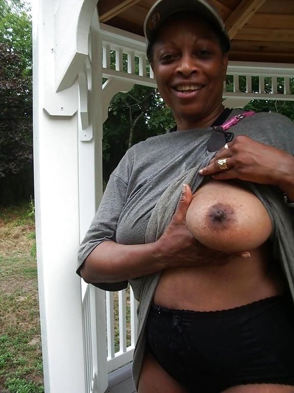Big titty black grannies