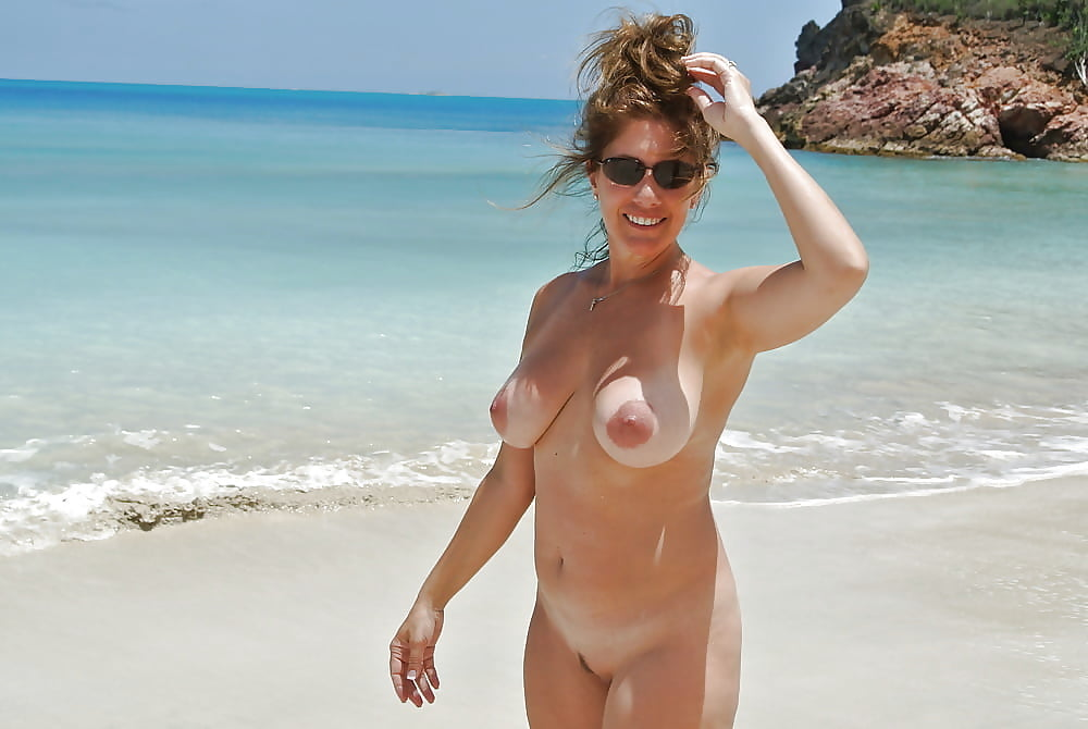 furs-party-naked-new-zealand-wife-snake