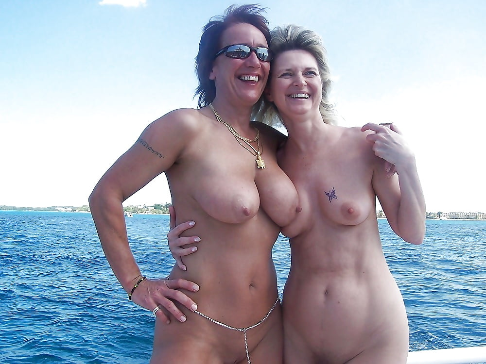 Hot and sexy nude mom pictures collection
