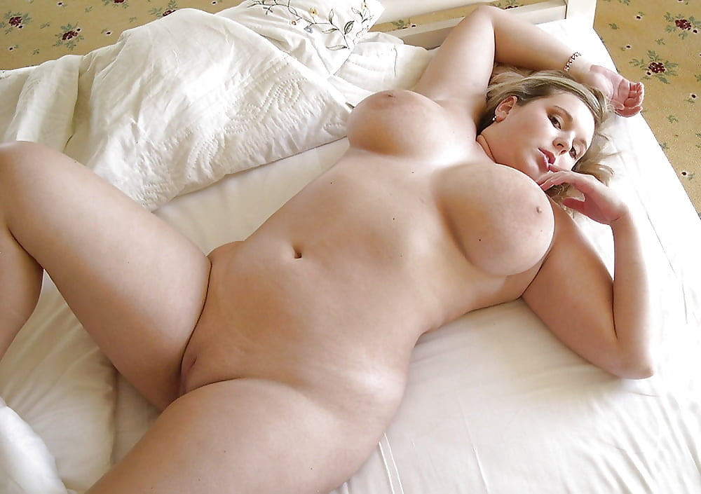 Смотреть фотки голых пышных девушек русских, смотреть порно лижут до сквирта