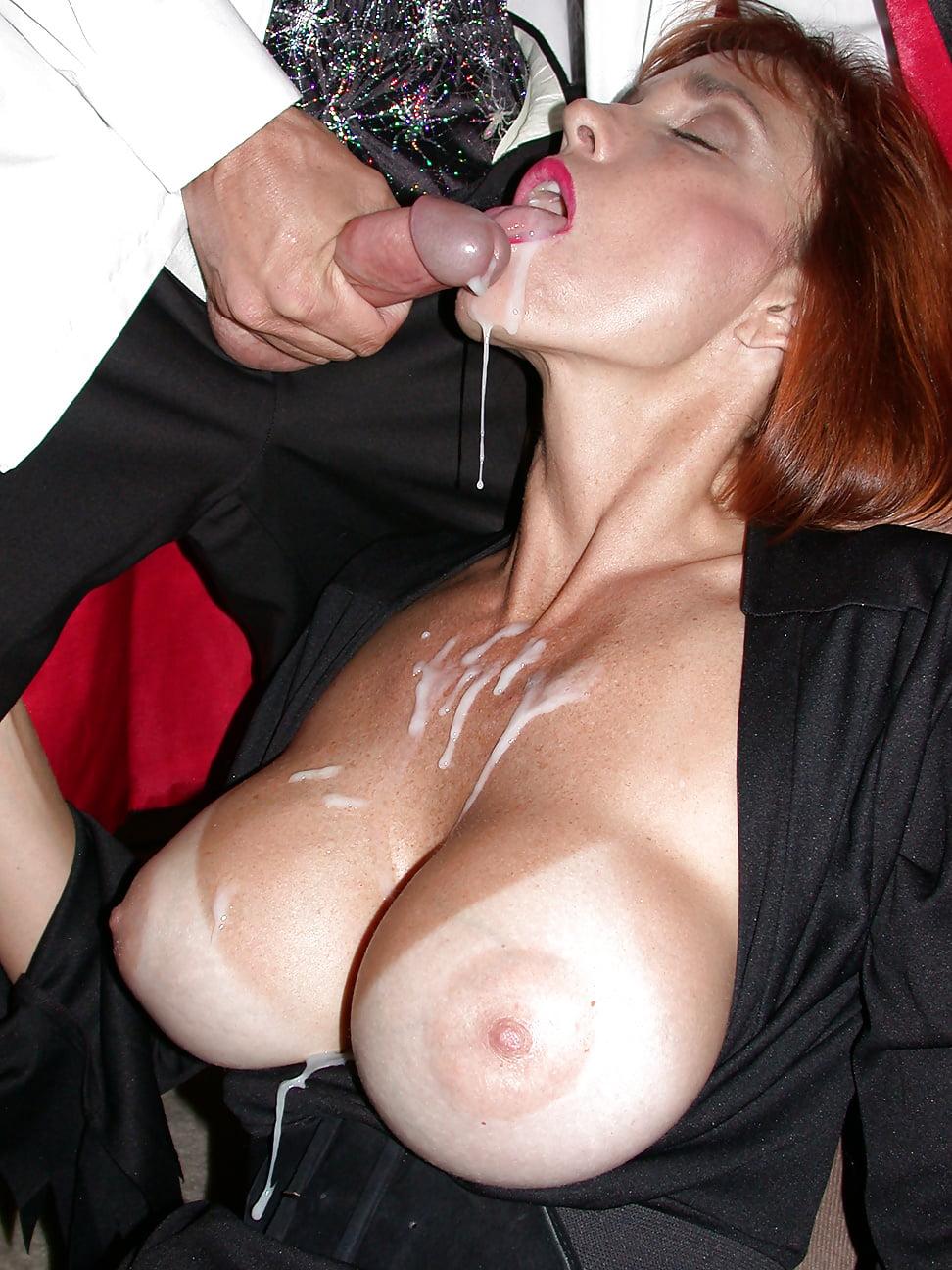 Зрелые женщины с большими формами и сперма, порнуха онлайн мастурбирует в душе