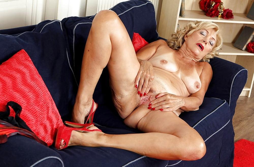 Sexy matures tgp