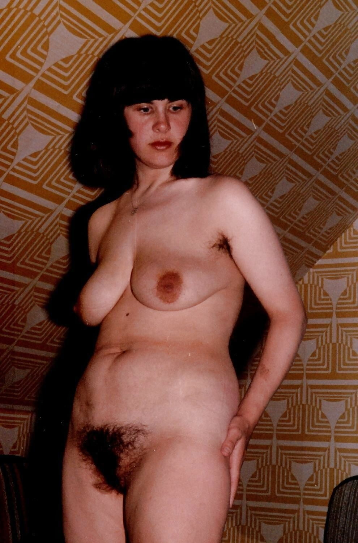 golie-retro-pyanie-teti-zhestkiy-seks-po-uzbekskiy-v-parke-v-ispolnenii