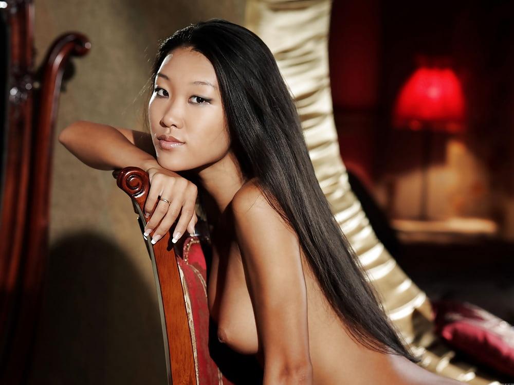 Проститутка азиатской внешности проститутки бутово щербинка