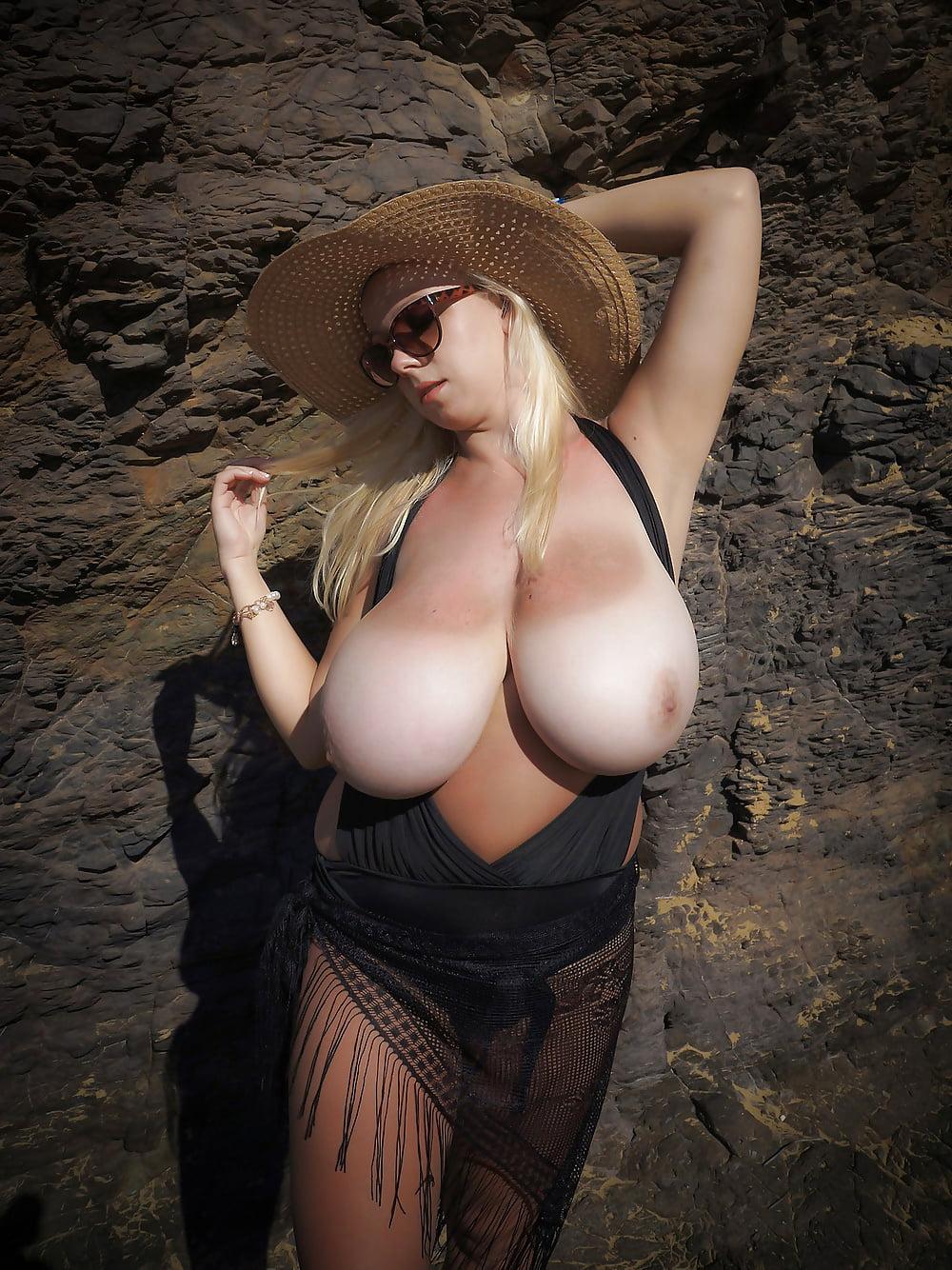 Download huge tits