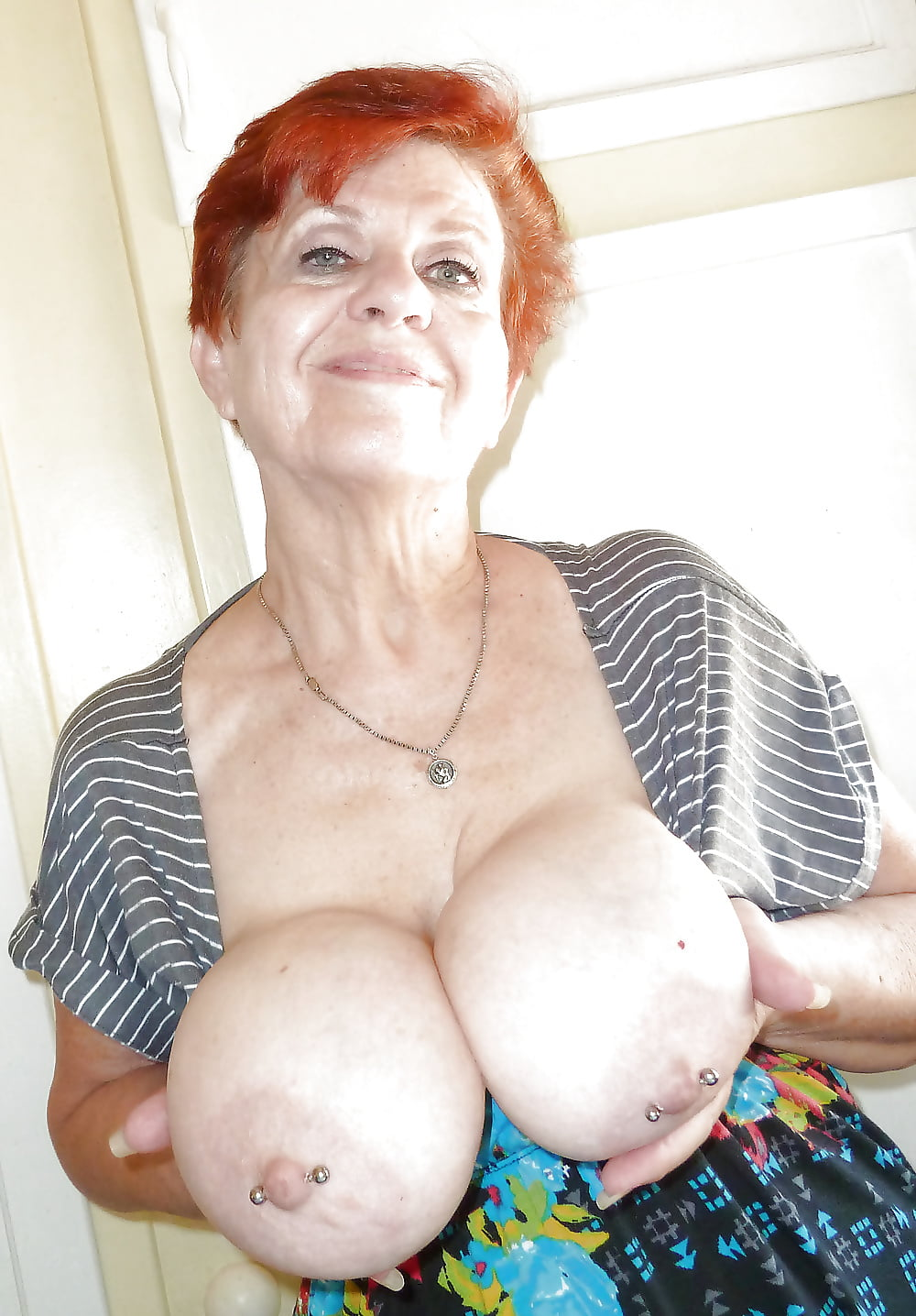 Sexy granny huge boobs naked — pic 4