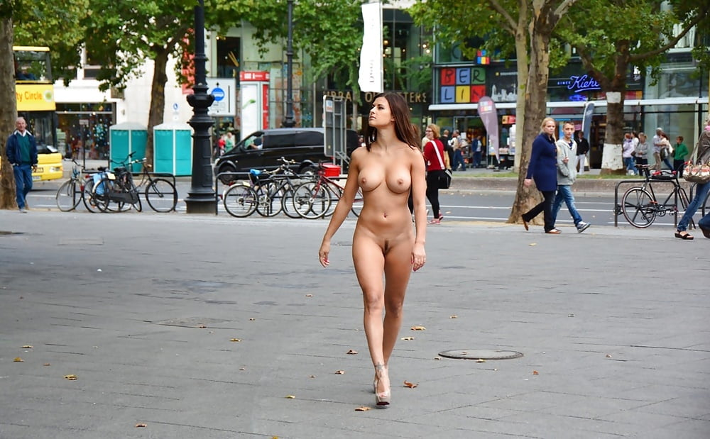 girls-naked-in-liverpool