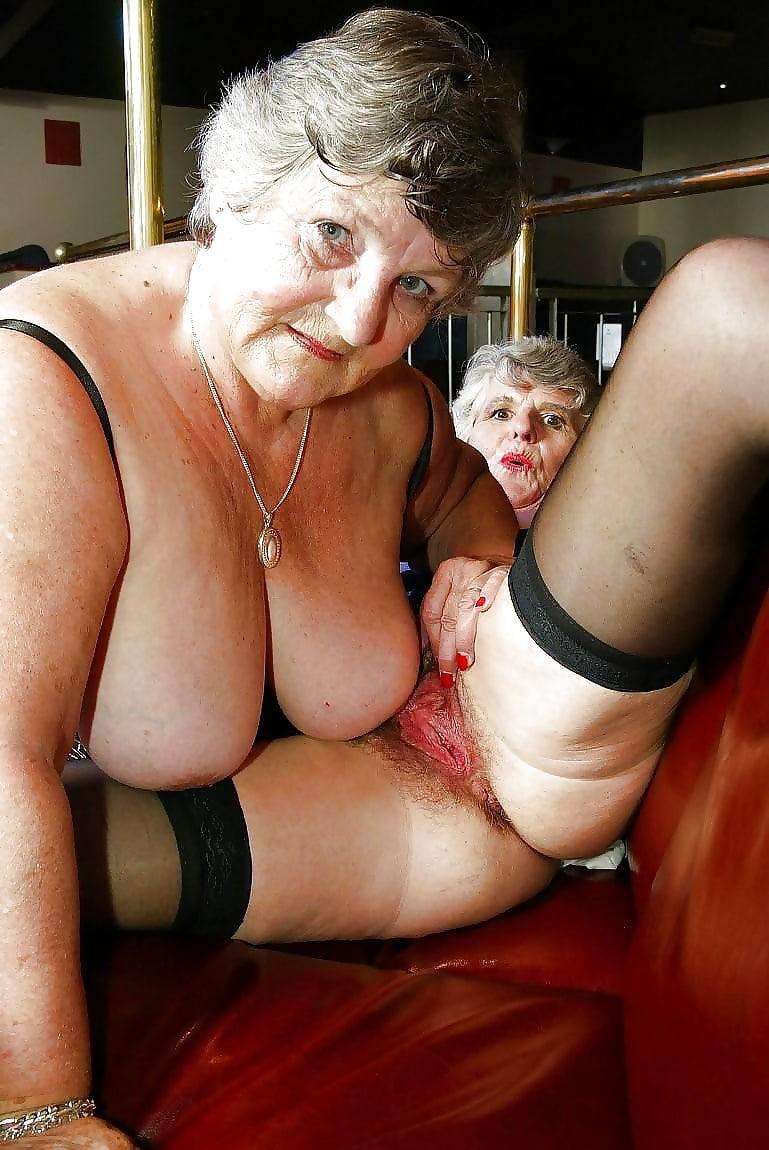 girls-retro-uk-filthy-grannies-lightspeed