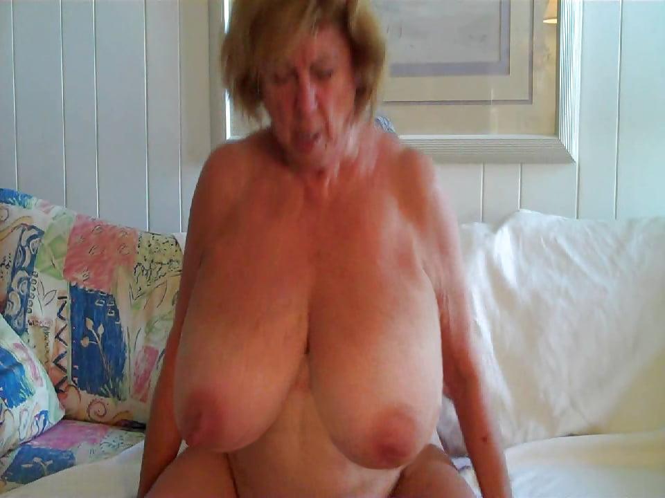Bbw Granny Big Tits Free Porn Galery