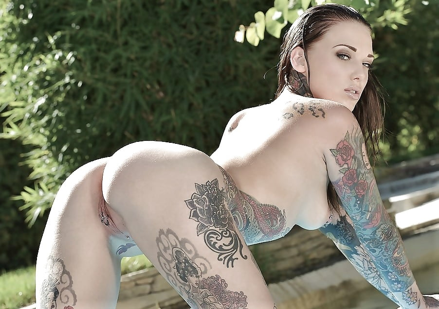 sexy-tattooed-nude-babes-dildo