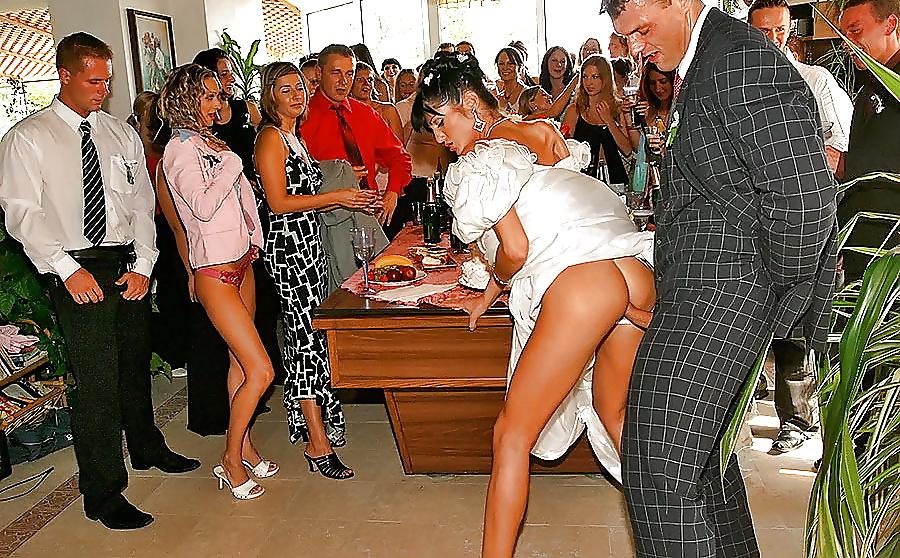 жадно приник подсмотр порно на свадьбах студенты обычно первые