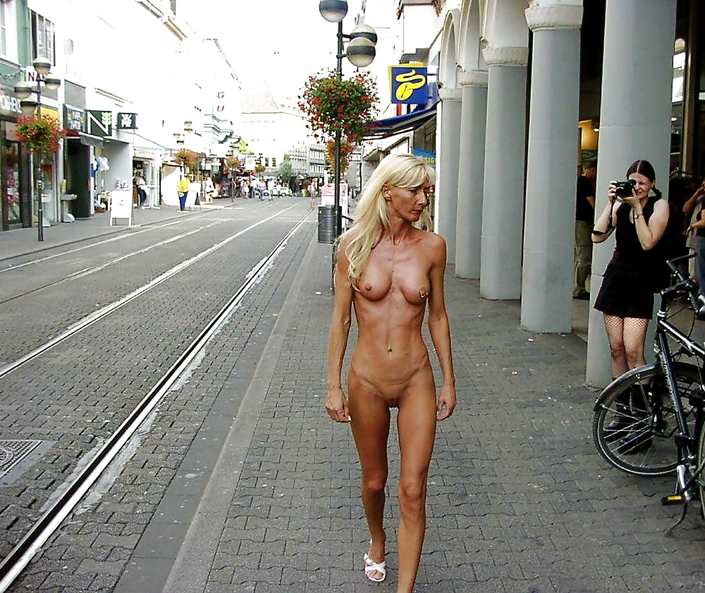 skinny-girl-public-nude-naked-hot-young-women-scenes