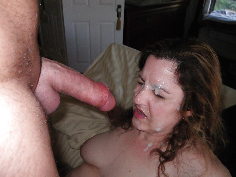 женщины в возрасте кончают домашнее видео