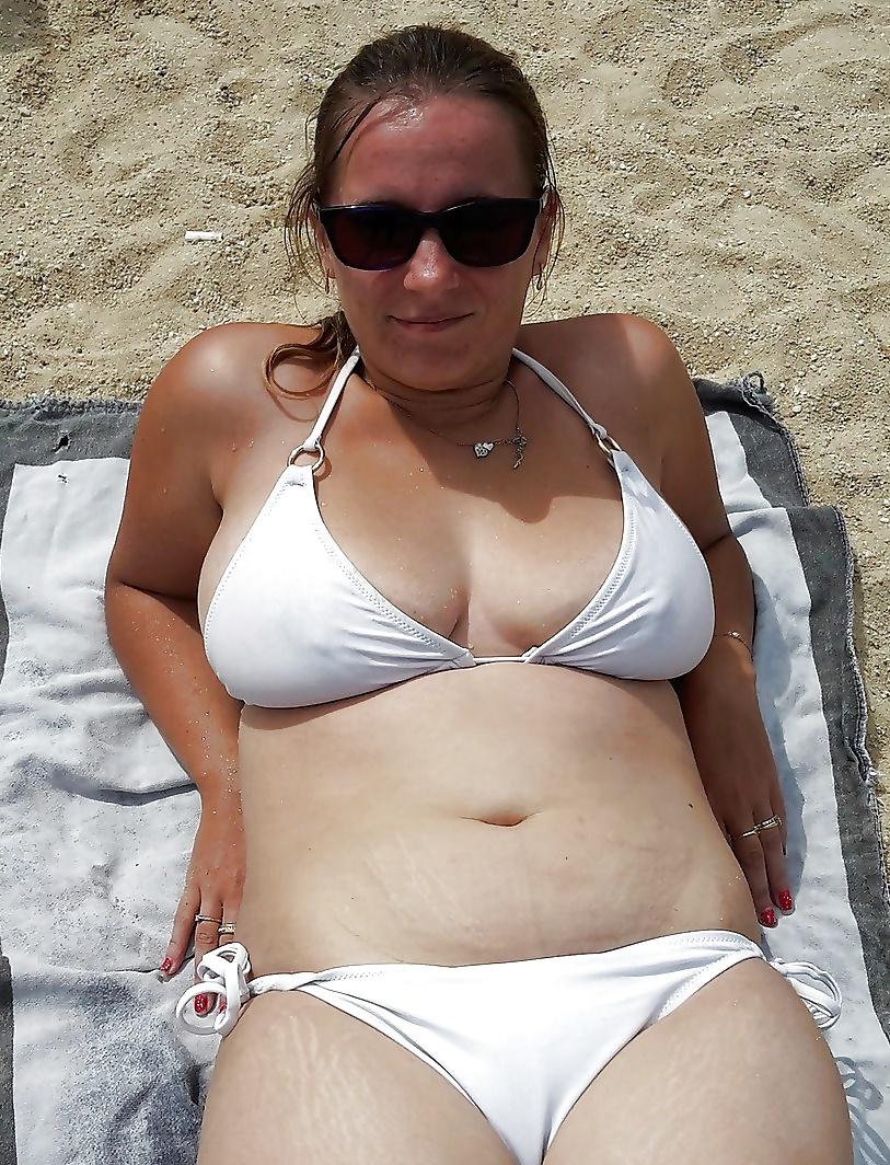 Kylie In Bikini