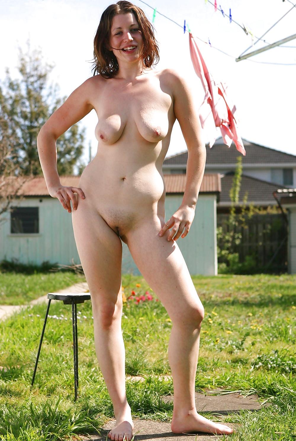 women-nude-in-the-backyard-handjob-of-the-day