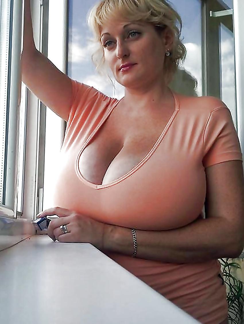 зрелая женщина с большая грудь онлайн актеров