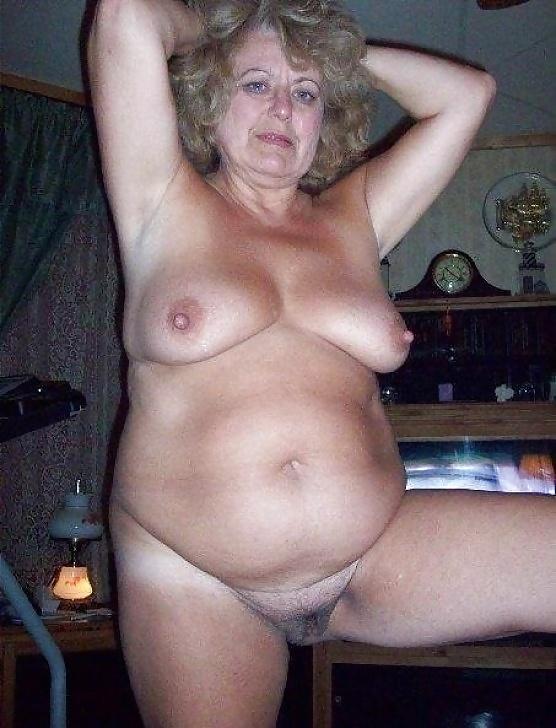 ждет отменный старые женщина голые русские сиськи встали