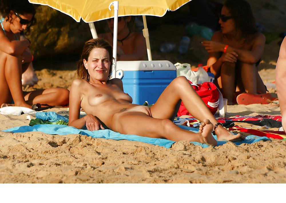 Подглядывание на диком пляже несёт ответственность