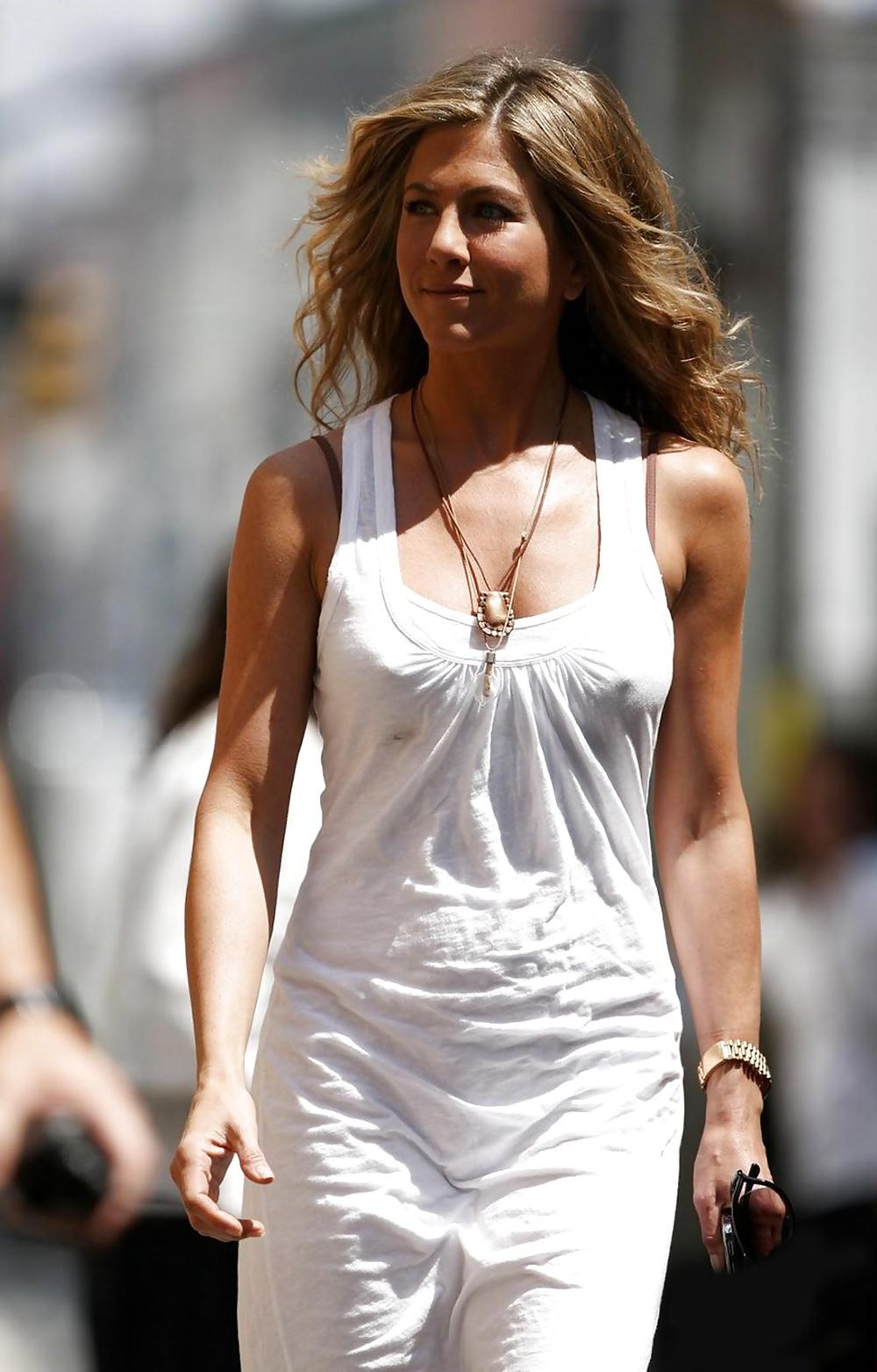 bag-videos-jennifer-aniston-friends-pics-nipples-uniform-sexy