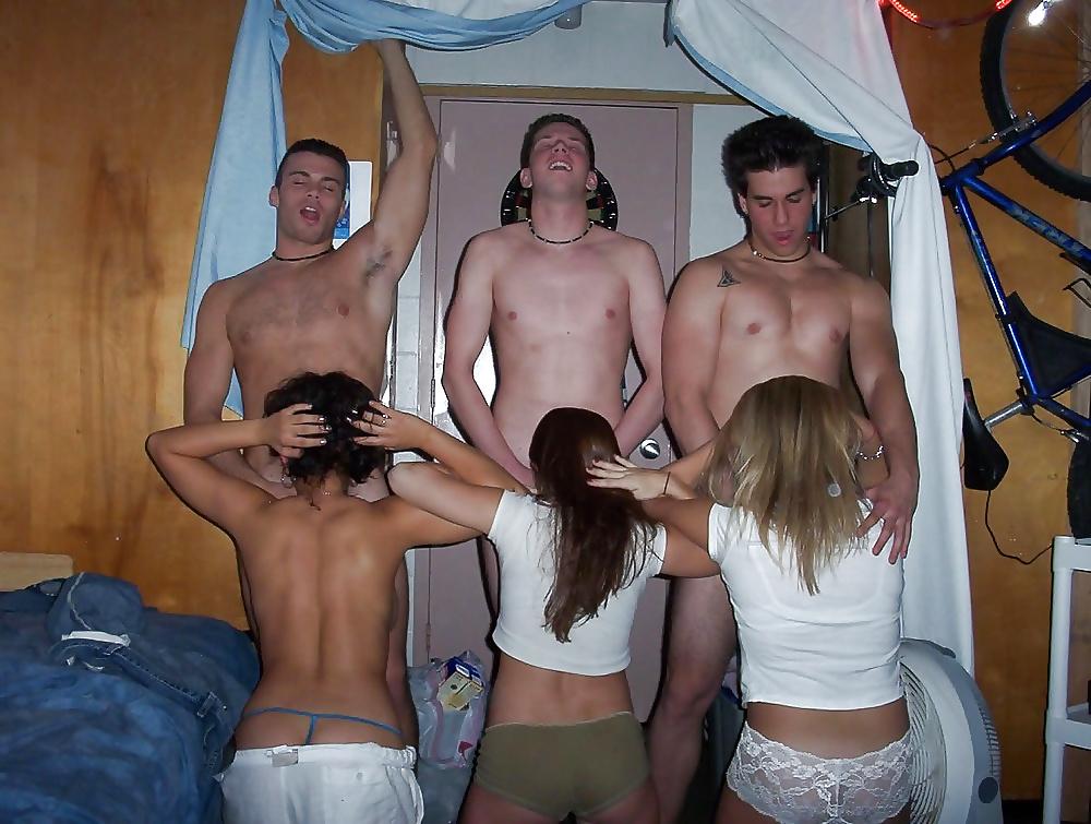 Отдых студентов в общежитии эротический сахалина