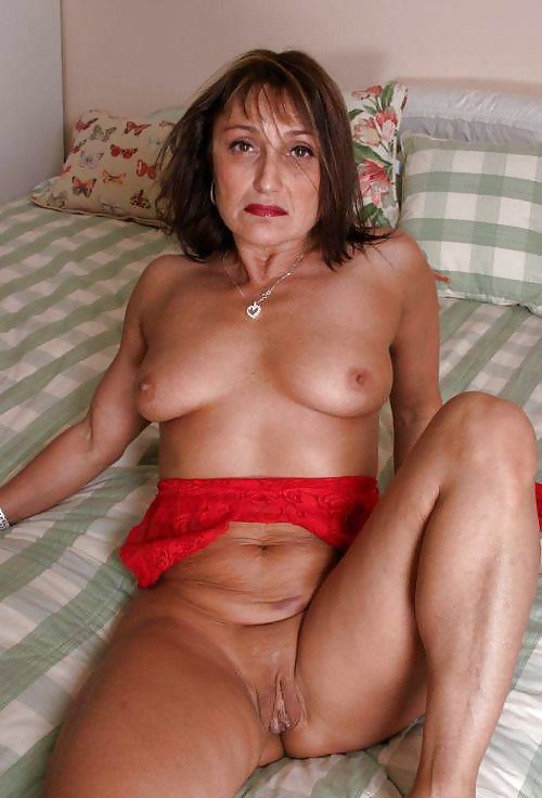 Sexy naked older moms