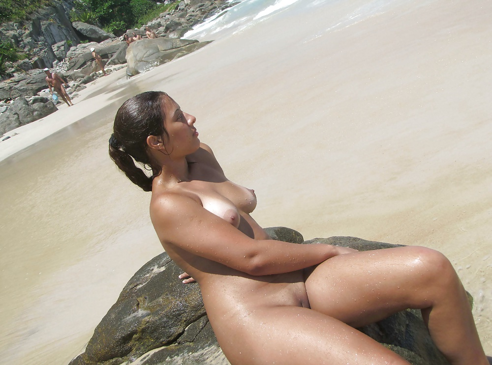 Black hair on the nude beach — img 13