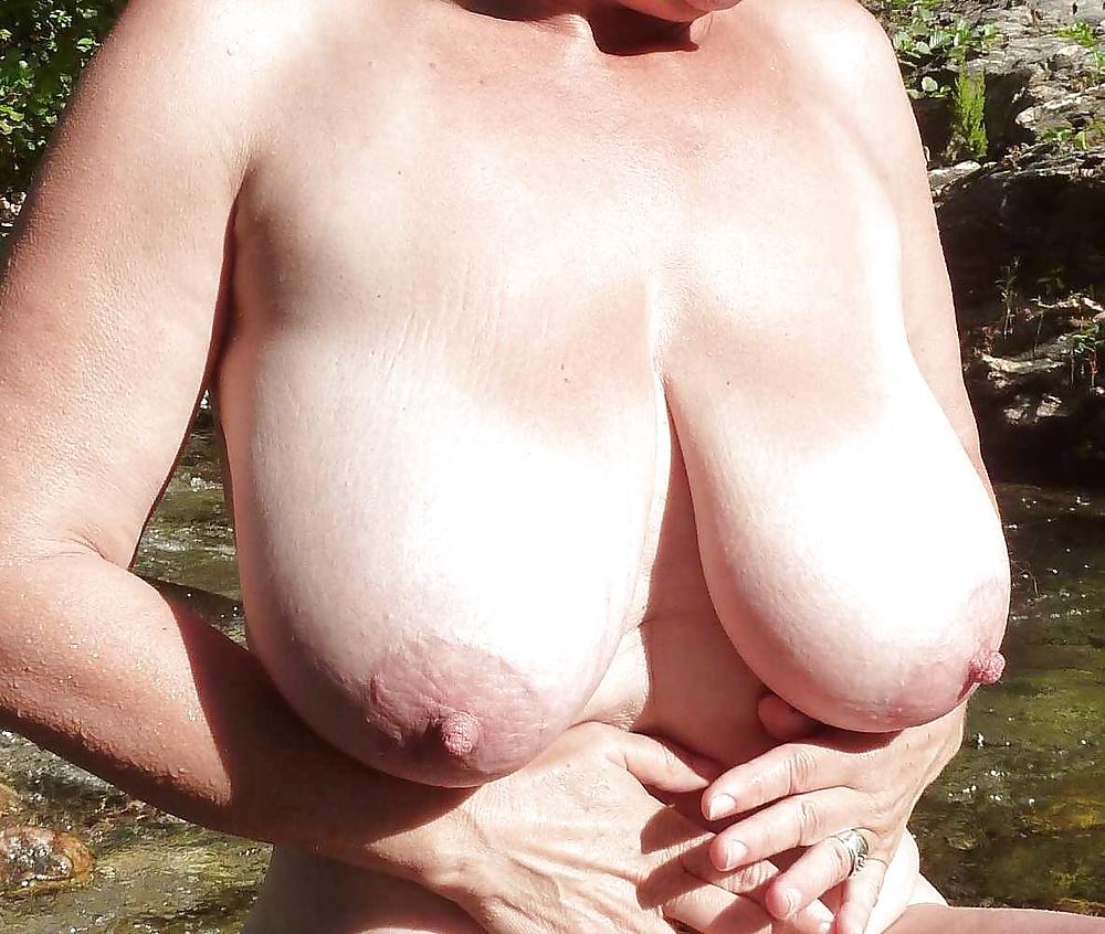 Massive natural saggy tit pics
