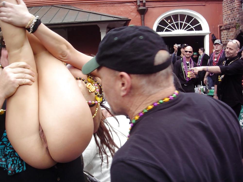 Public butt fuck gay pics