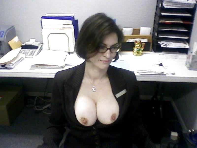 Nsfw Milf Amateur Flashing Saggy Tits