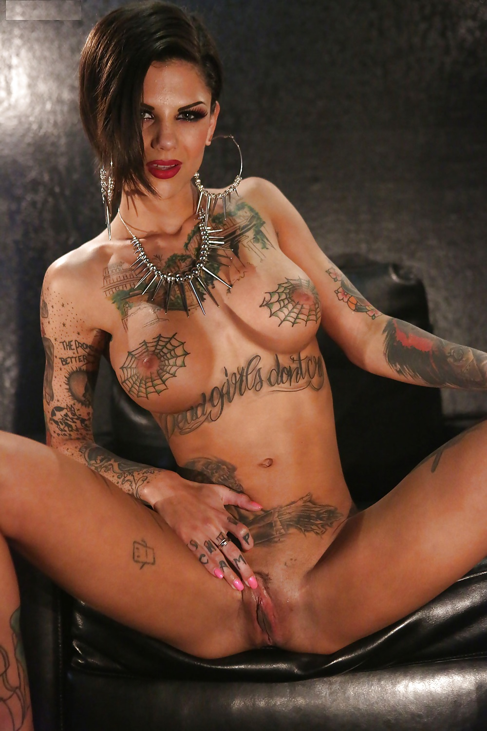Naked tits bonnie rotten mile high media