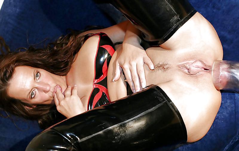 latex-angel-pussy-pump-brunette-wet-pussy