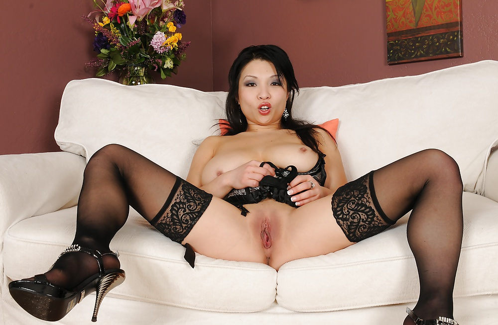 Kard naked free asian mature in stockings