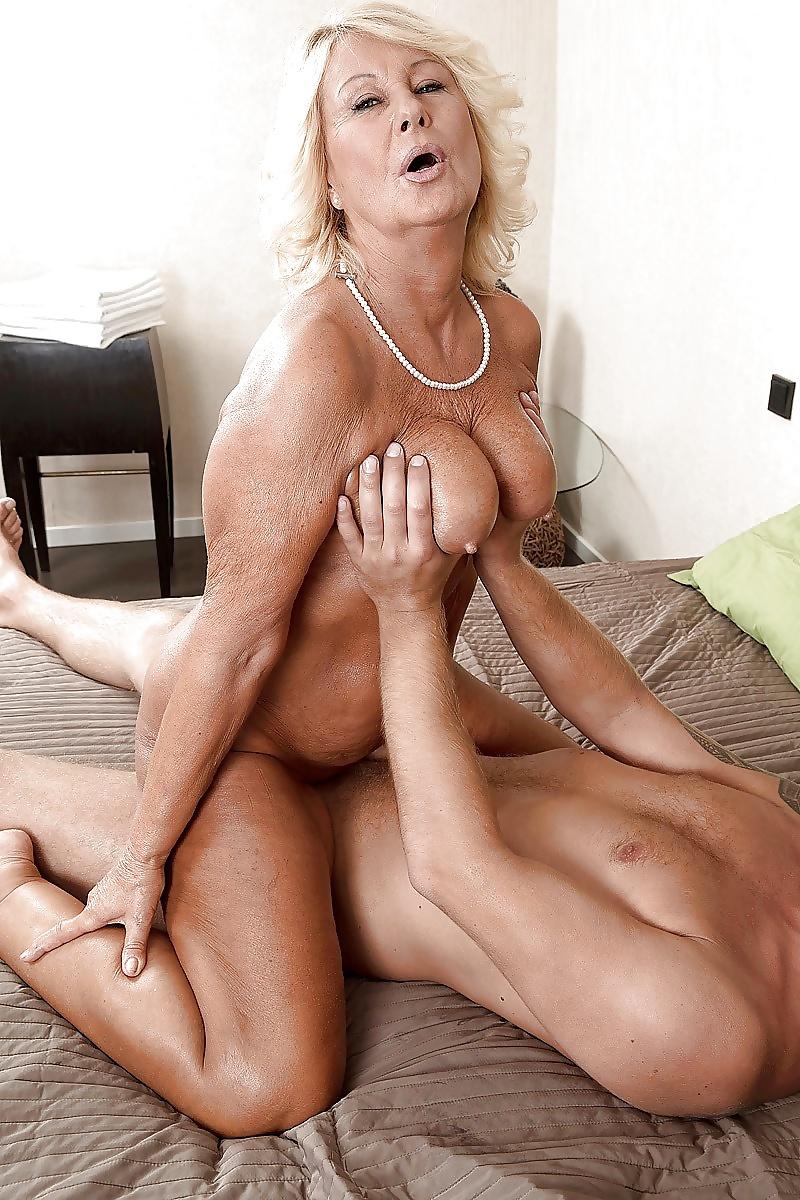 Busty granny sex pics