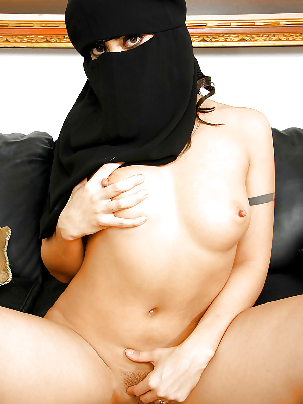 blonde-saudi-girls-sex-photos-couple