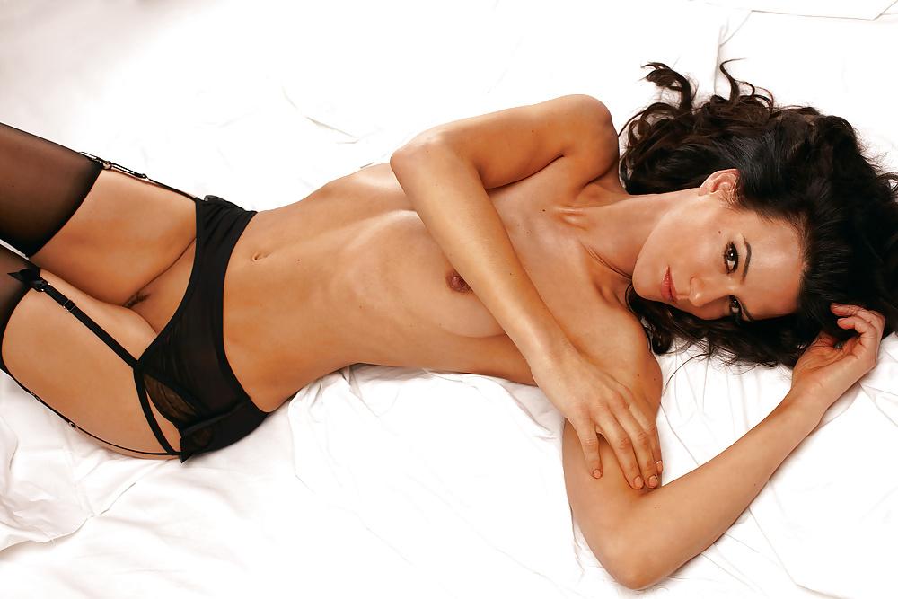 Nackt unter uns star Playboy: Claudelle