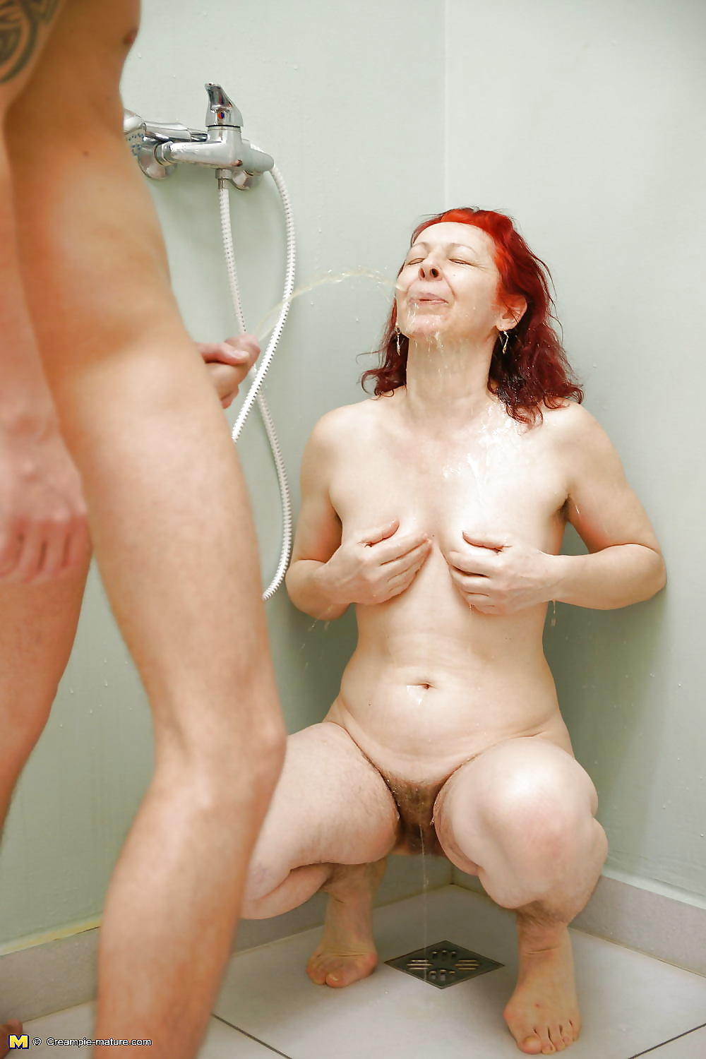 Masc Pantyboy Pissing In The Shower